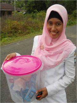 Siska with buckets 2